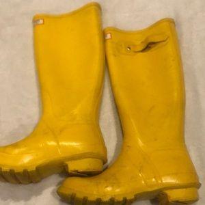Yellow LL Bean Wellie rubber rain boots
